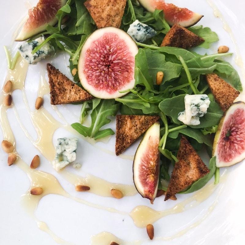 Fresh fig & blue cheese salad