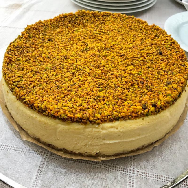 Mascarpone Cheesecake w/ Pistachios
