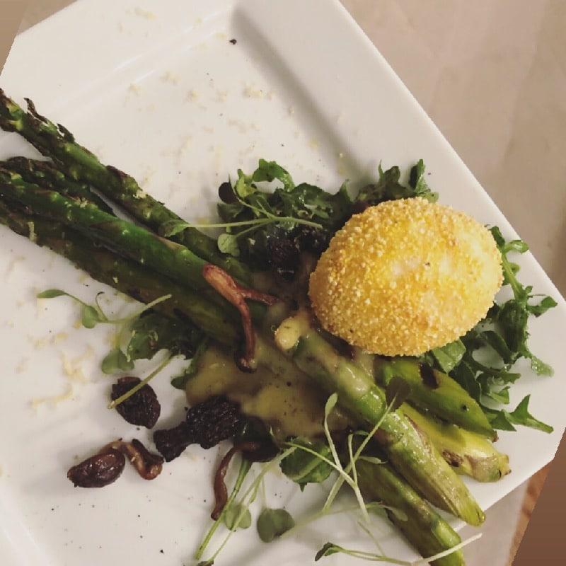 Charred asparagus & crispy poached egg